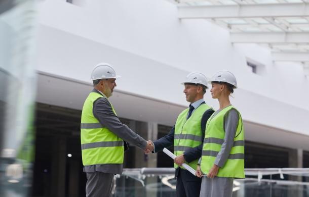 rozmowa kierowników budowy